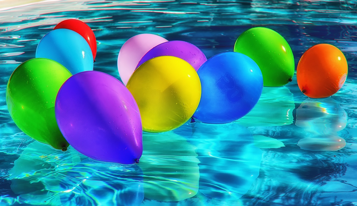 5 idee per il tuo party in piscina primaverapool for Idee per party in piscina